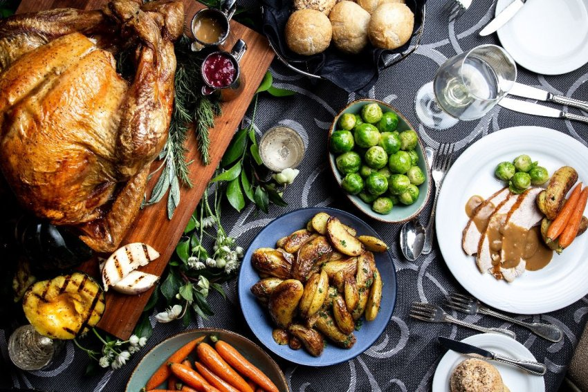 10 Delicious Ways To Enjoy Christmas Dinner In Vancouver Eat North