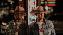 Image for Country star Aaron Pritchett