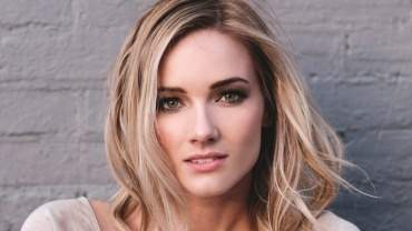 Image for One day in Uxbridge and Oshawa: singer and songwriter Leah Daniels