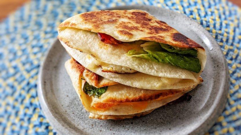 Tiktok Tortilla Wrap Hack · i am a food blog  |Tiktok Wraps
