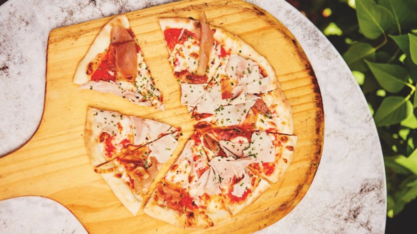 Image for Ricardo's meat lovers pizza