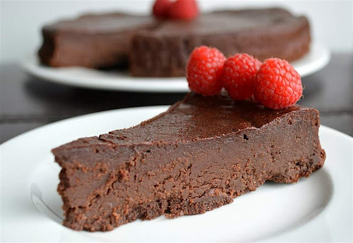 Cool Flourless Chocolate Cake