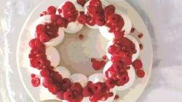 Image for Ricardo's raspberry and pomegranate pavlova wreath