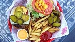 Fuddrucker's burger Saskatoon