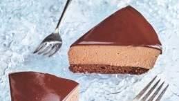 Image for Ricardo Larrivée's chocolate mousse cake