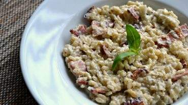 Bacon and blue cheese risotto recipe