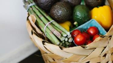 Image for 4 Out of season vegetables to ditch for now and 4 that's worth eating more this time of year