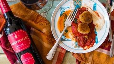 Image for Rioja, bacon and tomato sauce