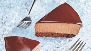 Image for Ricardo Larrivée's chocolate mousse cake