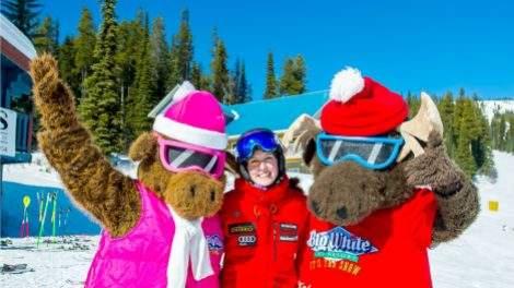Kelsey Serwa skier