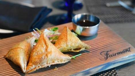 Samosas at Globe@YVR. Photo by Stephanie Arsenault.