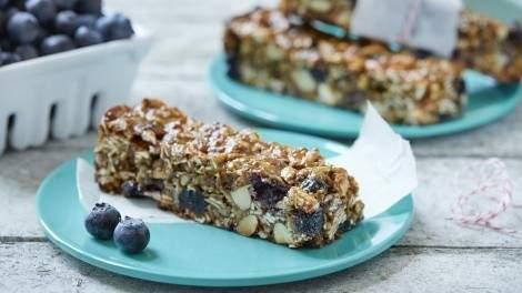 Image for B.C. blueberry granola bars