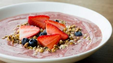 Beaumont Kitchen smoothie bowl. Photo by Cindy La.